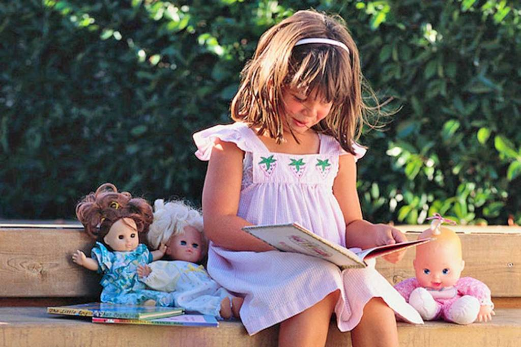 7 Reasons to Read Aloud to Your Children