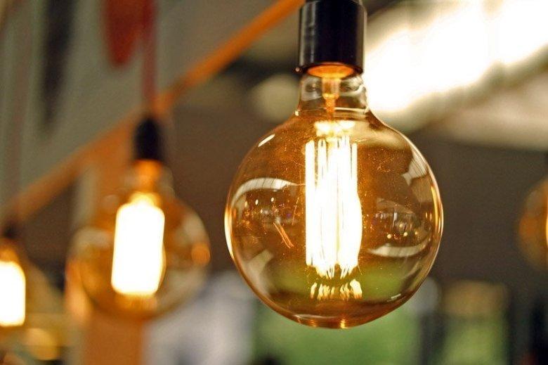 Edison's Incandescent Light Bulb: A Unit Study